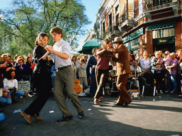 Street tango dancers in San Telmo, Buenos Aires.